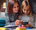 Memanfaatkan Smartphone untuk Mengasah Keterampilan Berbahasa