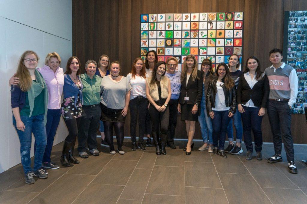 Dra. Ingeborg e os 15 os participantes do 1º MED-EL Meetup Mundial