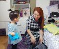 Tatil Döneminde Çocuğunuzun İletişim Becerilerine Yardımcı Olmanın 3 Hızlı ve Kolay Yolu